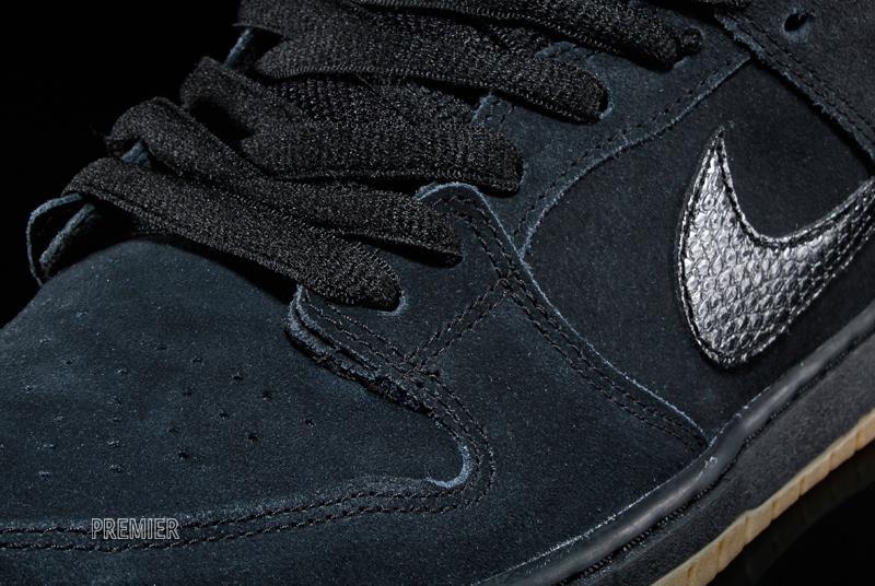 Nike Sb Dunk Lav Sort / Tyggis Suede Slange Stil soSfn9MTb7