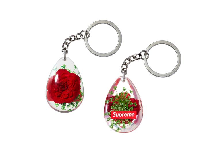 supreme-2014-fall-winter-accessories-collection-19
